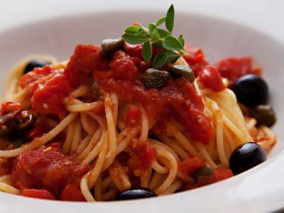 spaghetti-alla-putanesca–la-percussi